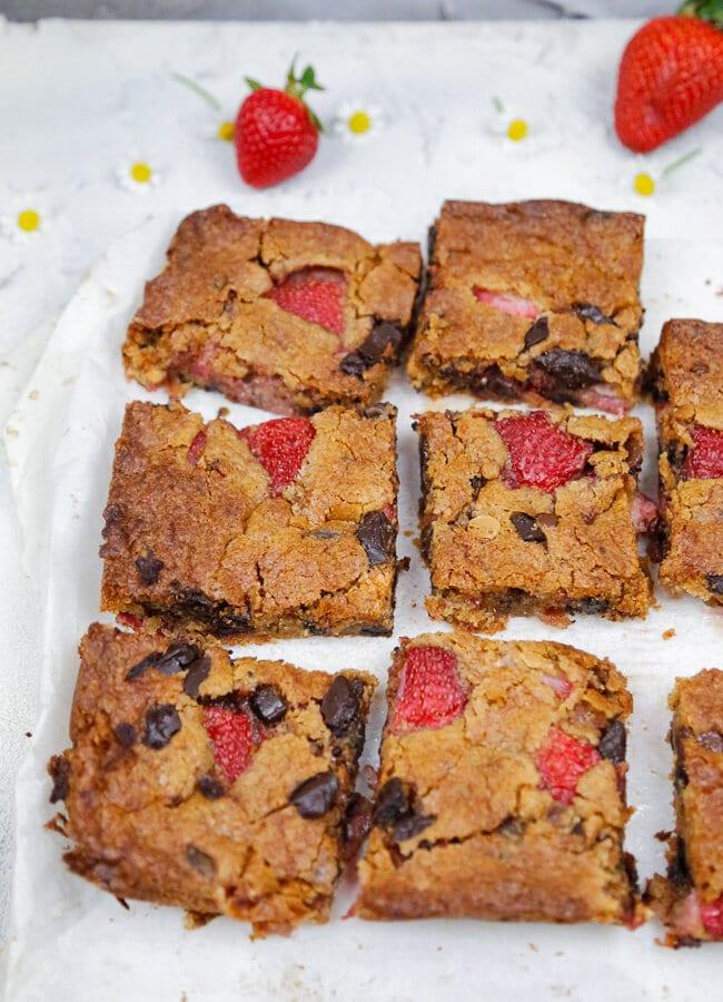 Easter, Saint Patrick's Day, Strawberries, Blondies, Strawberry Blondies, Cookies, Cake, Dessert