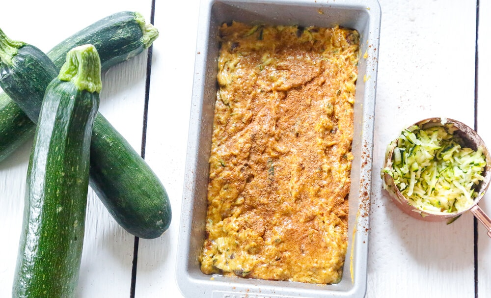 Easy Pumpkin Zucchini Bread, Zucchini Bread, Zucchini, Zucchini recipes, fall recipes, pumpkin, pumpkin recipes, Autumn recipes, dark chocolate, Pumpkin bread