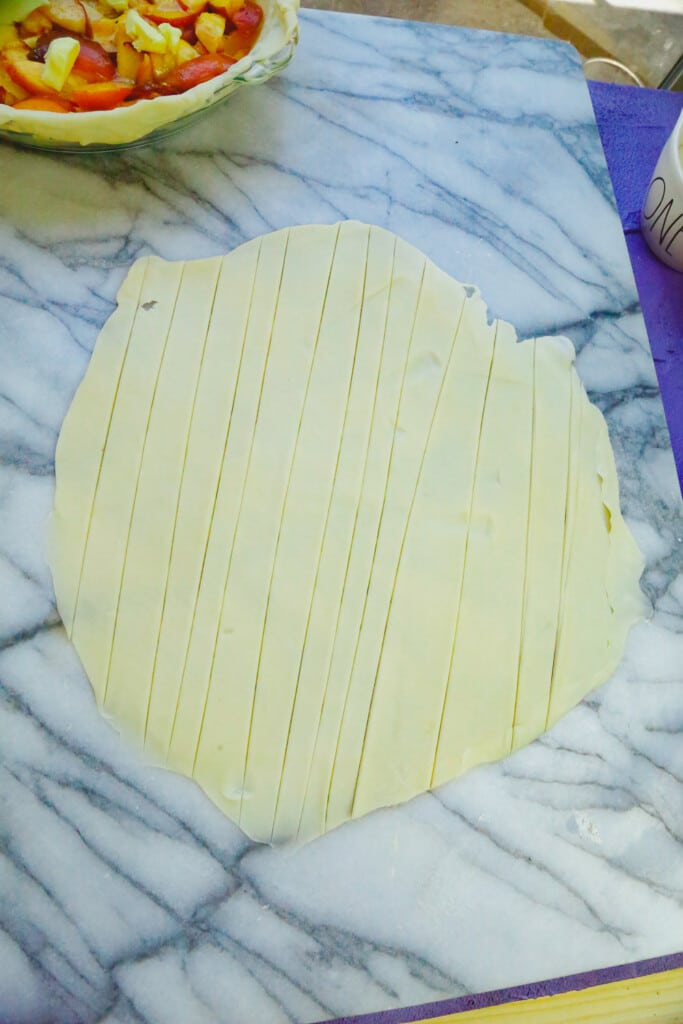 strips of pie crust cut into 1-inch strips to make a lattice topping pie crust